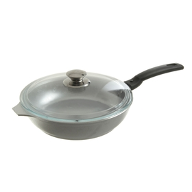 24 cm pan with lid and removable handle.