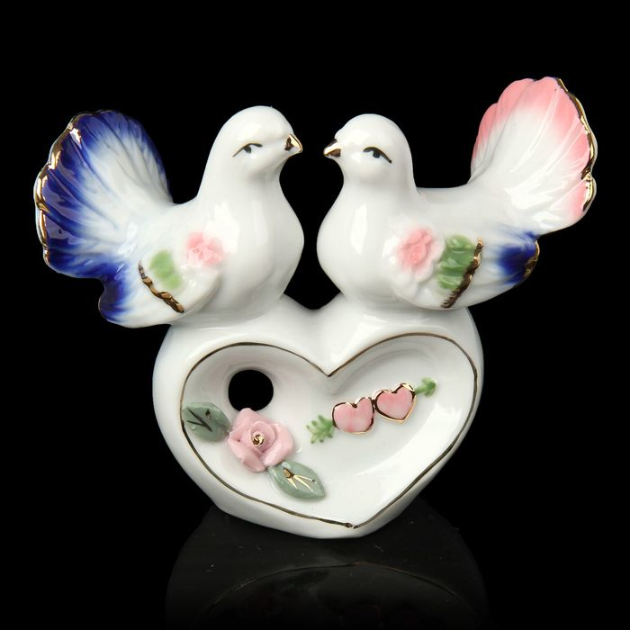 """Сувенир """"Два голубка на сердце"""""""