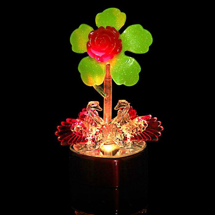 "Сувенир ""Два лебедя на сердце у цветка"" световой"