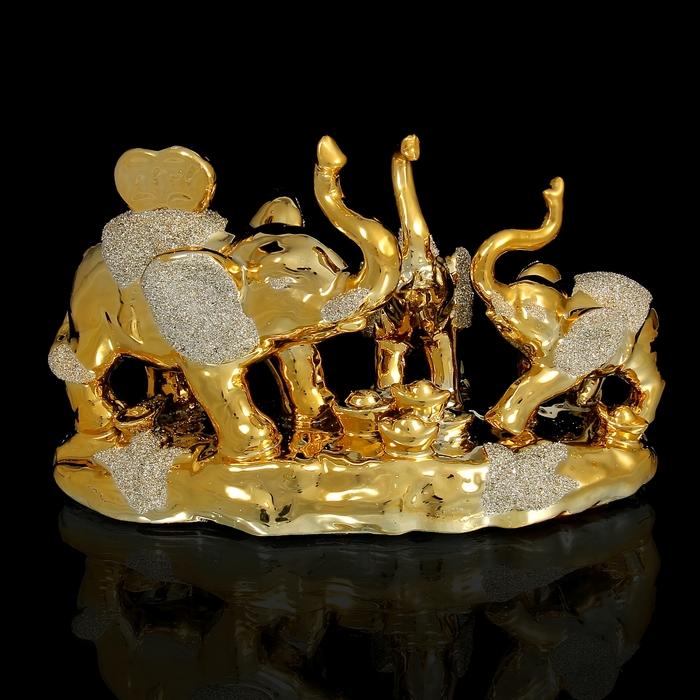"""Нэцкэ под золото """"Три слона со слитками"""""""