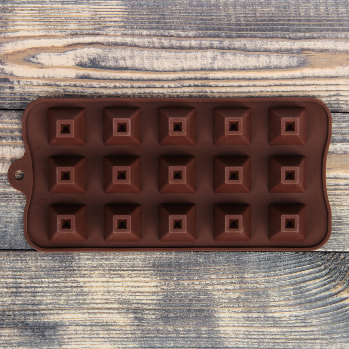 "Форма для льда и шоколада, 15 ячеек, 17х30х3 см ""Пирамидки"", цвета МИКС"