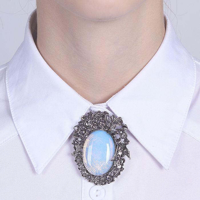 "Брошь императрица ""Лунный камень"""