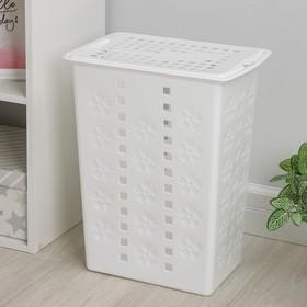 Корзина для белья с крышкой Альтернатива «Виолетта», 30 л, 37×25×48 см, цвет белый
