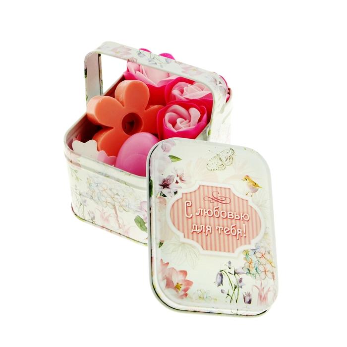 """Набор """"С любовью для тебя"""": мыльные лепестки и мыло в шкатулке-корзиночке"""