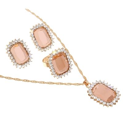 """Гарнитур 3 предмета: серьги, кулон, кольцо безразмерное """"Прямоугольник"""" царевна, цвет розовый в золоте, 45см"""