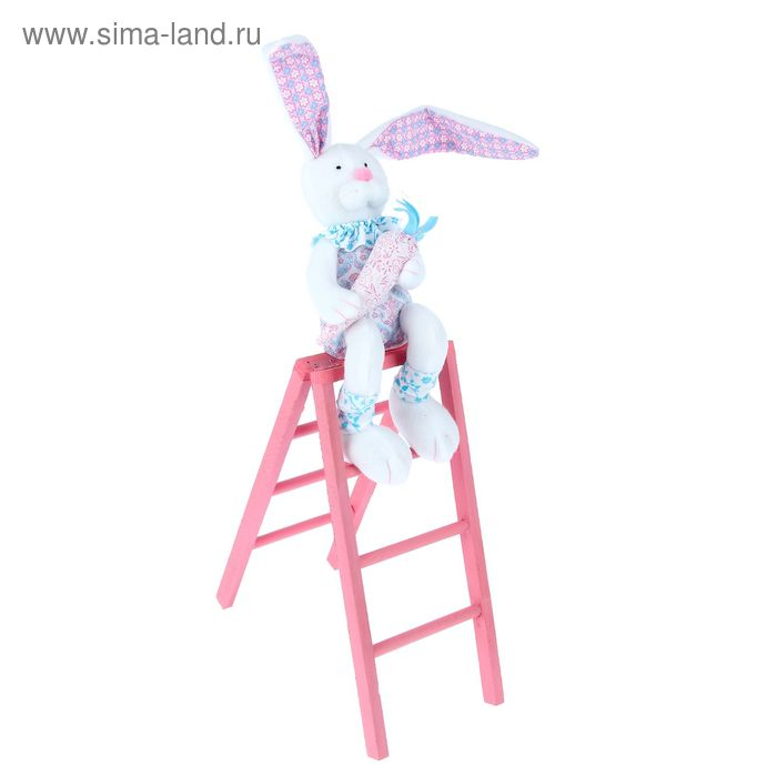 "Декор ""Зайчишка-мальчишка с морковкой на лестнице"""
