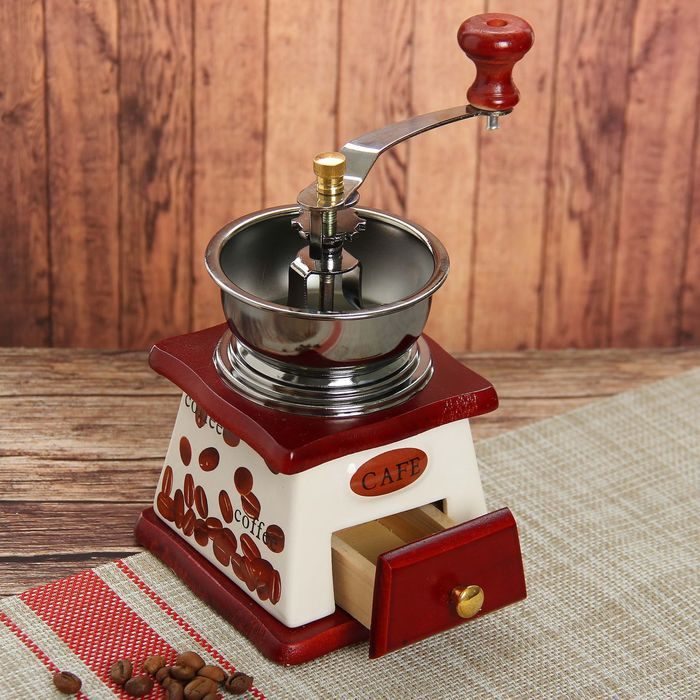 """Кофемолка с ручкой """"Кофейные зерна"""" 10х10х18 см"""