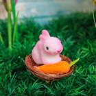 """Сувенир """"Пасхальный кролик с морковкой"""""""