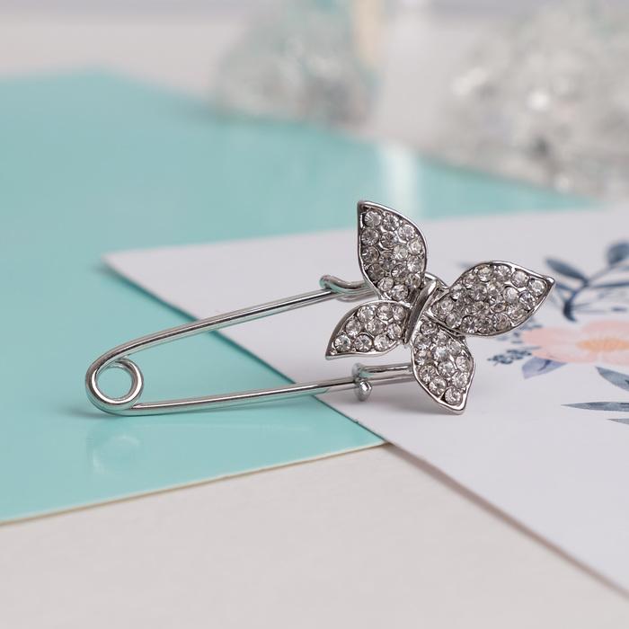 """Булавка """"Бабочка"""", 5 см, цвет белый в серебре"""