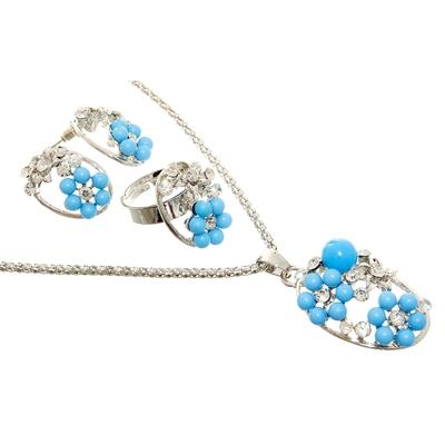 """Гарнитур 3 предмета: серьги, кулон, кольцо безразмерное """"Цветы"""" цвет голубой в серебре, 45см"""