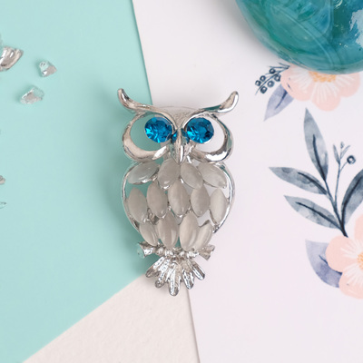 """Brooch """"Owl"""", colors white blue silver"""