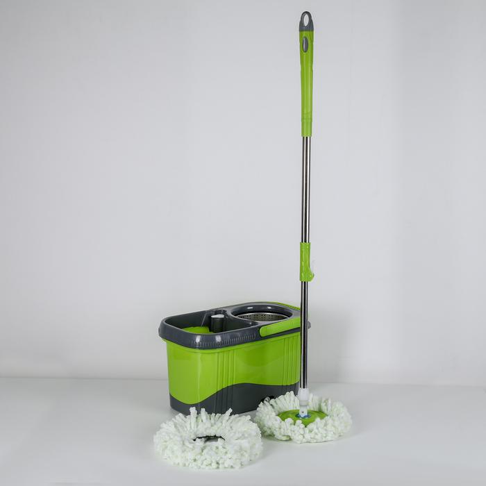 Набор для уборки: ведро на колёсиках с металлической центрифугой 16 л, швабра, запасная насадка из микрофибры, дозатор, цвет МИКС