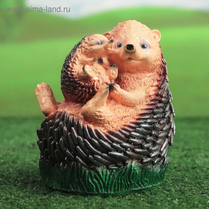 """Садовая фигура """"Ежиха с ежонком на траве"""""""