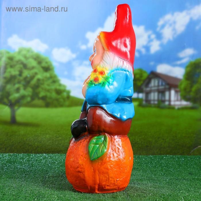 """Садовая фигура """"Гном на красном апельсине"""""""