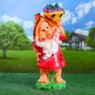 """Садовая фигура """"Гном с корзиной фруктами наверху слева"""" 17х20х50см"""