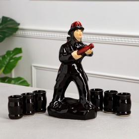 """Штоф с рюмками """"Пожарник"""" чёрный, 7 предметов, 0,5 л"""