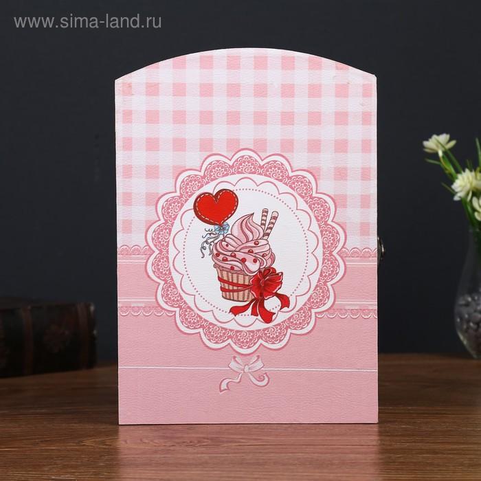 """Ключница """"Пирожное с любовью"""""""