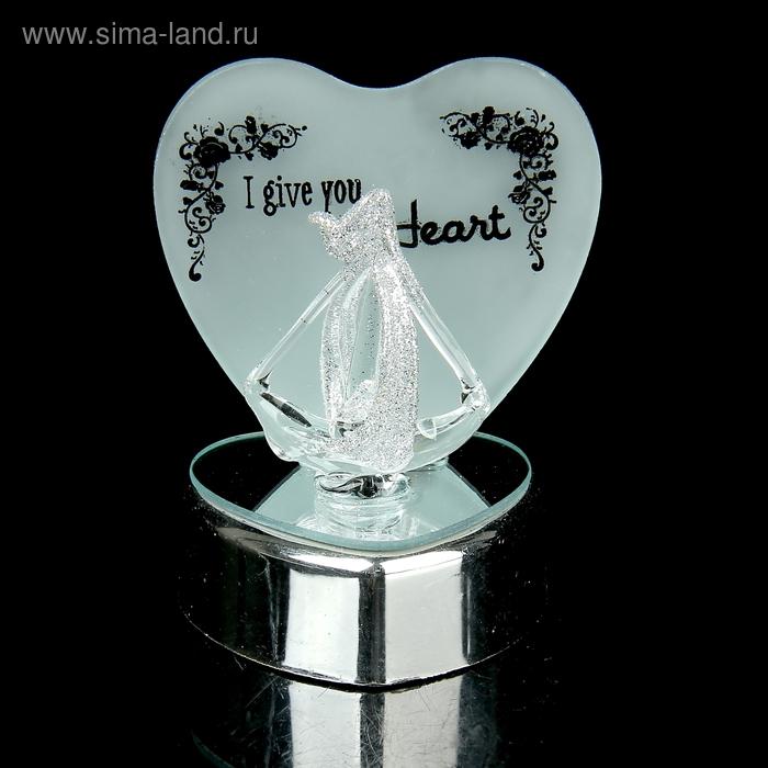 """Сувенир """"Кораблик у сердца"""" со светом"""