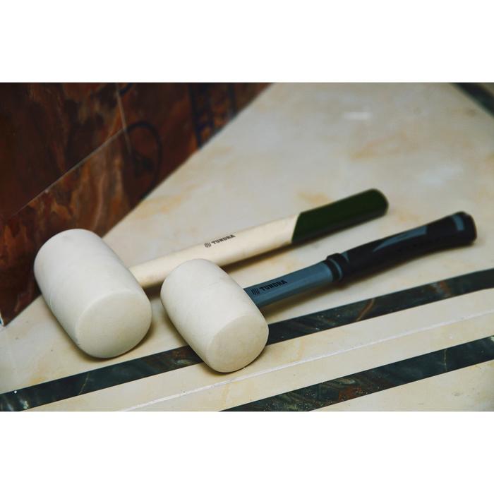 "Киянка ""TUNDRA basic"" деревянная рукоятка, белая резина 750г"