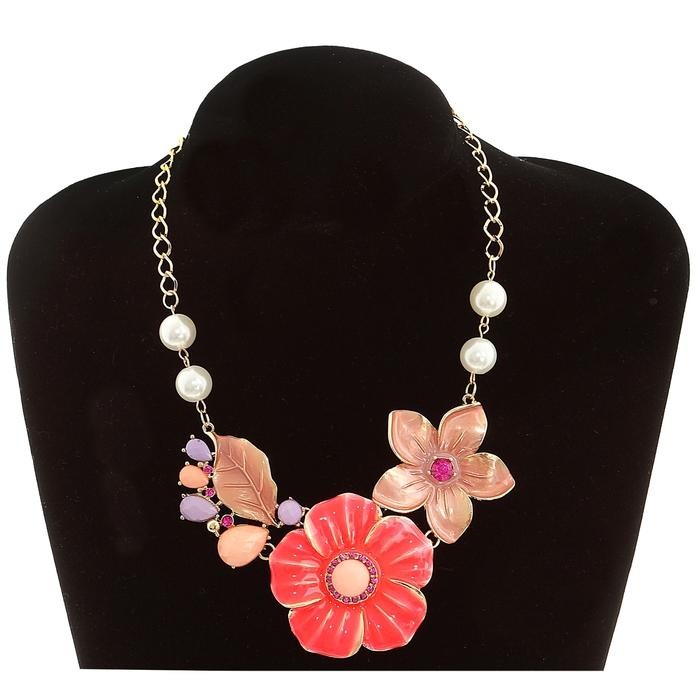 """Колье """"Весенние цветы"""", флористика, цвет сиренево-розовый в золоте"""