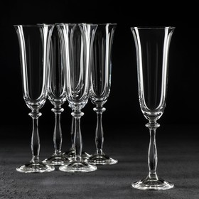 A set of champagne glasses 190 ml