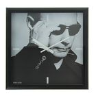 """Часы настенные, серия: Люди, """"Путин В.В."""", чёрная рамка, 28х28 см"""