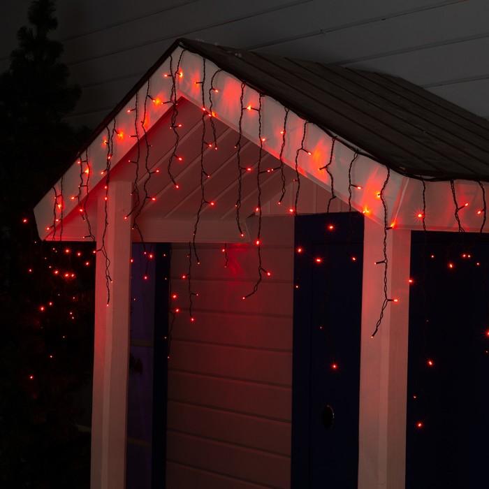 """Гирлянда """"Бахрома"""" 3 х 0.6 м , IP44, УМС, тёмная нить, 160 LED, свечение красное, 220 В"""