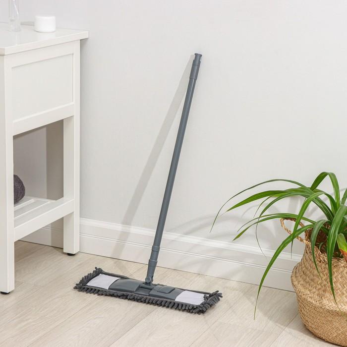 Швабра плоская, телескопическая ручка 80-130 см, насадка из микрофибры, цвет МИКС