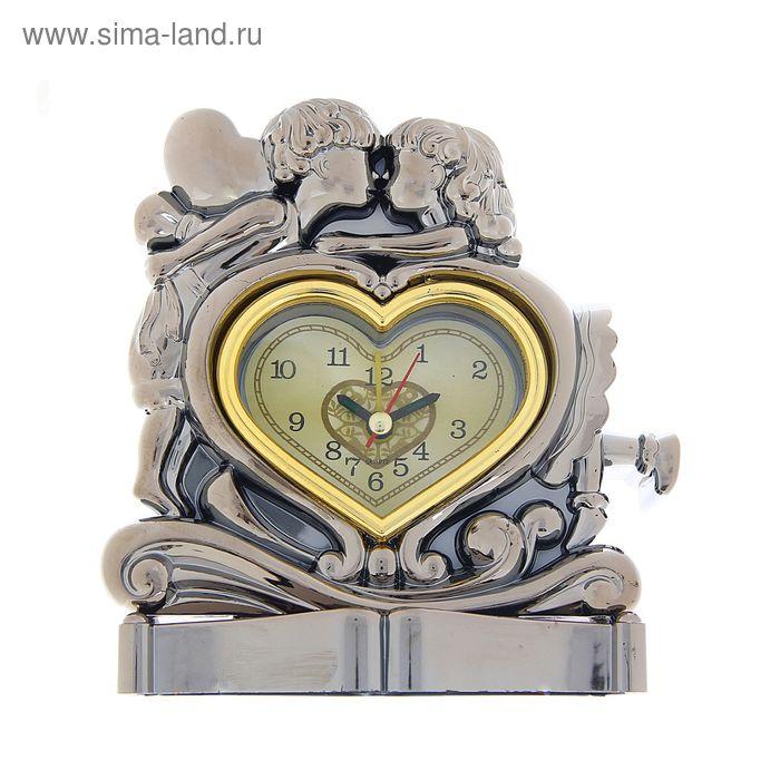 """Часы фигурные пластик """"Первая любовь"""" 13,5х12,5х7 см"""