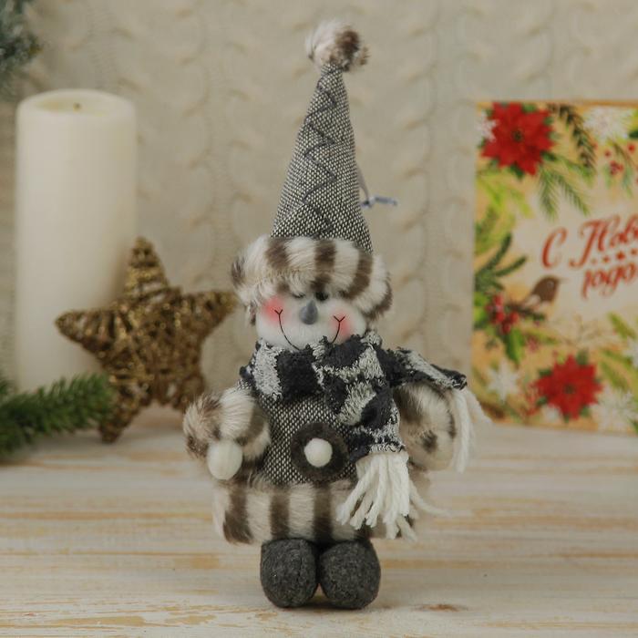 """Мягкая ёлочная игрушка """"Снеговик"""" серый наряд с шарфиком"""
