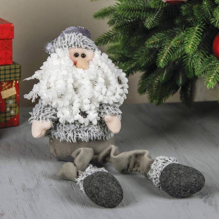 """Мягкая игрушка """"Дед Мороз в сером костюме"""" (кудрявая борода)"""