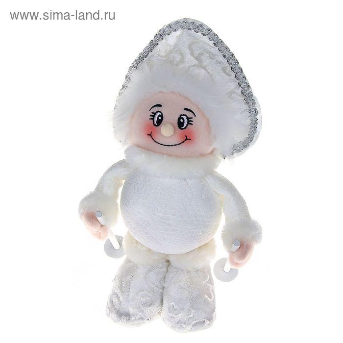 """Мягкая игрушка """"Снегурочка лыжница"""" (кружевная)"""