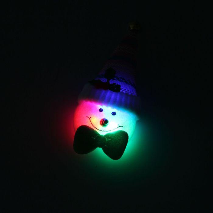 """Значок световой """"Снеговик"""", полосатый колпак, цвета МИКС"""