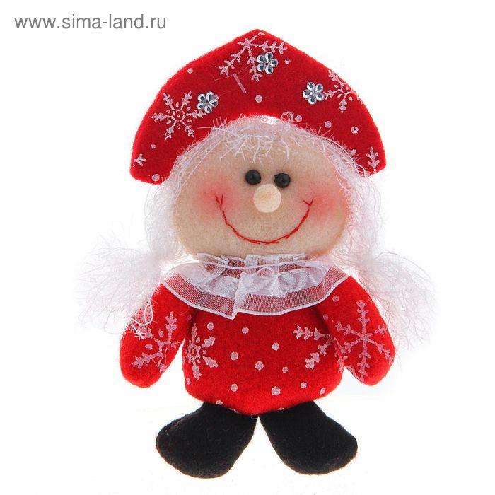 """Мягкая игрушка """"Снегурочка в красном костюме со снежинками"""""""