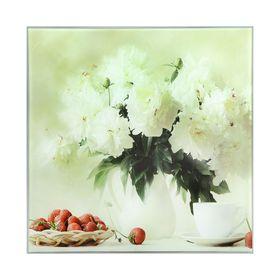 Картина на стекле 'Белые пионы с клубникой' 30х30см Ош