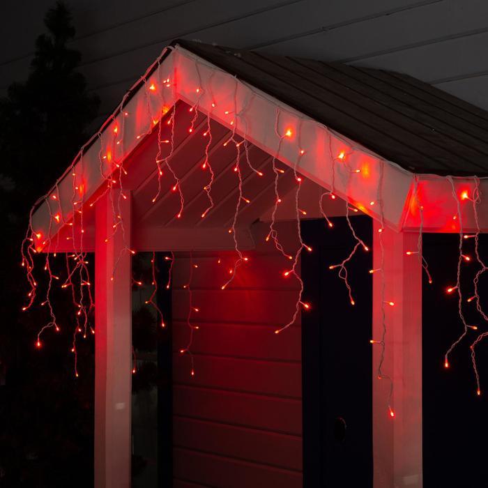 """Гирлянда """"Бахрома"""" 3 х 0.6 м , IP44, УМС, белая нить, 160 LED, свечение красное, 220 В"""
