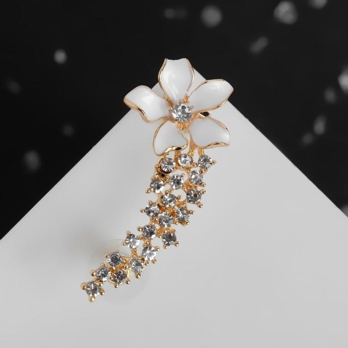 """Серьга """"Каффа"""" цветок изящный, цвет белый в золоте"""