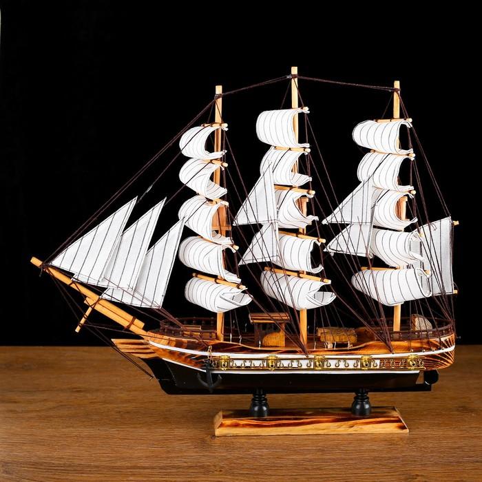 "Ship souvenir average ""three-masted"" boards with dark brown stripe, sail white, mix, 38 x 44 x 7 cm"