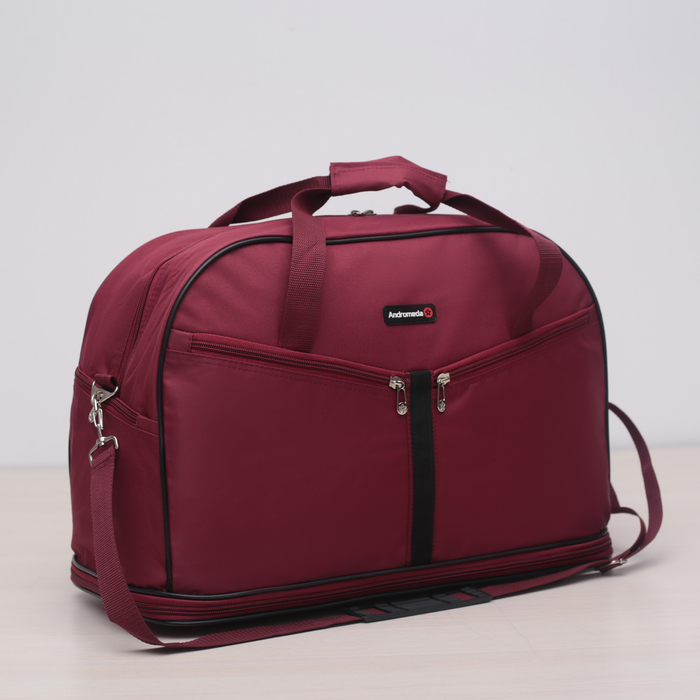 Travel bag, zip pocket, 4 outer pockets, long belt, burgundy color.