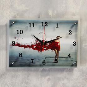 """Часы настенные, серия: Люди, """"Девушка в красном"""" 25х35 см, микс"""