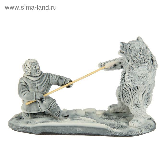 """Сувенир """"Охотник и Медведь"""""""