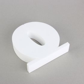 "The figure on the stand of foam, ""0"", 20 x 5 cm"