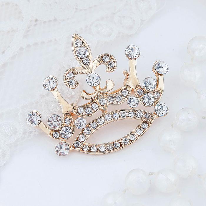 """Брошь """"Корона"""", цвет белый в золоте"""