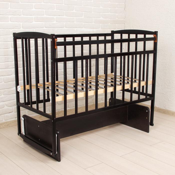 Детская кроватка с поперечным маятником, цвет венге