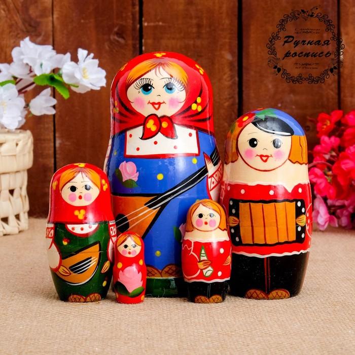 Матрёшка «Семейка», красный платок, 5 кукольная, 17 см